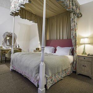 Room 24 Bed